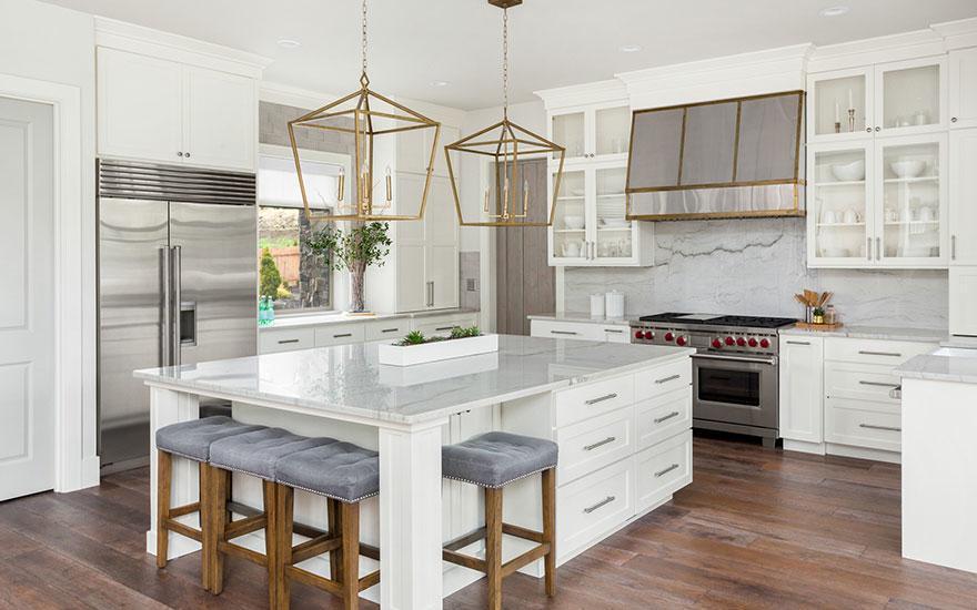 kuchnia biała drewniana